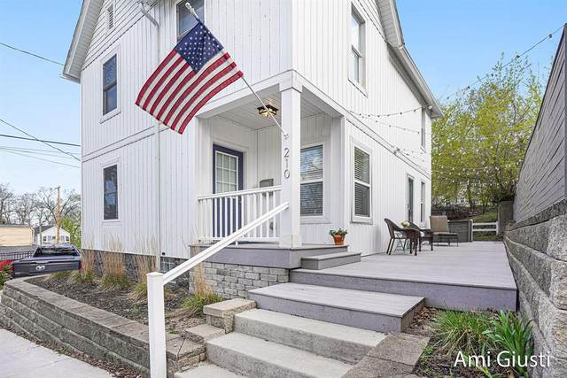 210 Fairbanks Street NE, Grand Rapids, MI 49503 (#65021016539) :: Novak & Associates