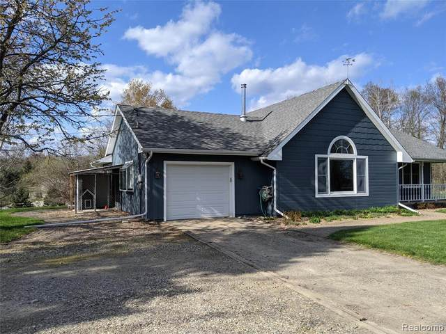 5473 Cedar Island Road, White Lake Twp, MI 48383 (#2210034319) :: Real Estate For A CAUSE