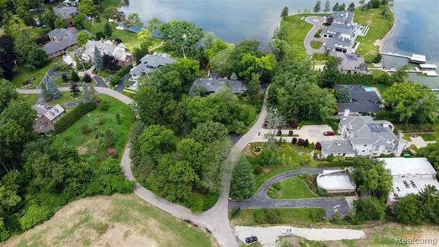 3201 W Shore Drive, Orchard Lake Village, MI 48324 (#2210034356) :: Real Estate For A CAUSE
