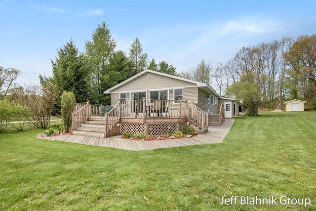 15866 Lincoln Lake Trail NE, Spencer Twp, MI 49319 (#65021016574) :: Real Estate For A CAUSE
