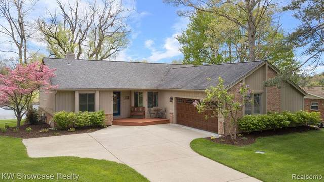 312 Shotwell Street, White Lake Twp, MI 48386 (#2210034439) :: Real Estate For A CAUSE