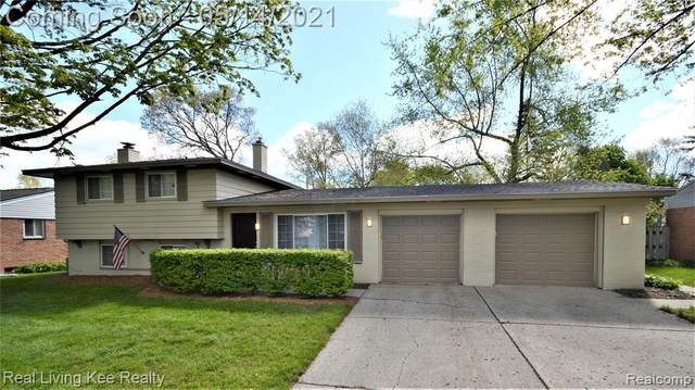 2757 Pinto Drive, Commerce Twp, MI 48382 (#2210034444) :: Real Estate For A CAUSE