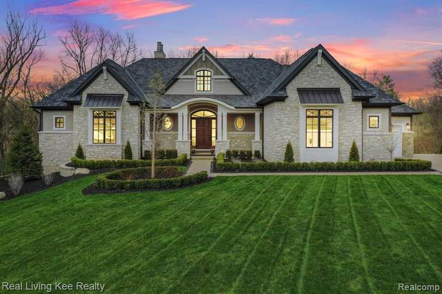 4767 Pinecrest Court, Oakland Twp, MI 48306 (#2210034461) :: Real Estate For A CAUSE
