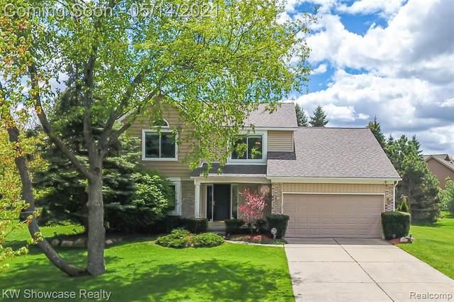 6593 Marten Knoll Drive, West Bloomfield Twp, MI 48324 (#2210034480) :: Real Estate For A CAUSE