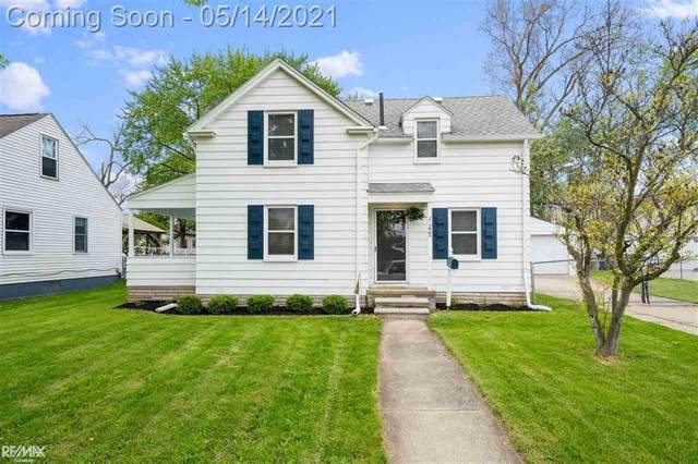 225 Kinross Ave, Clawson, MI 48017 (#58050041485) :: Alan Brown Group