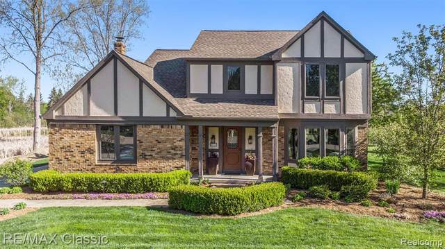 46120 Galway Drive, Novi, MI 48374 (#2210034568) :: Keller Williams West Bloomfield