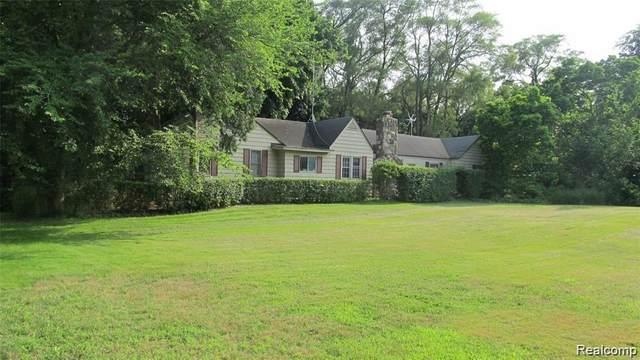 6525 Wing Lake Road, Bloomfield Twp, MI 48301 (#2210034883) :: Keller Williams West Bloomfield