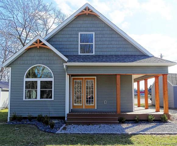 7280 Jefferson Street, Lexington Vlg, MI 48450 (#2210035025) :: Real Estate For A CAUSE
