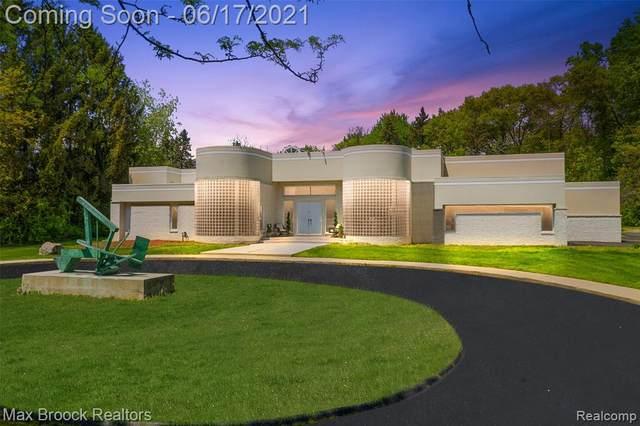 600 S Hills Road, Bloomfield Twp, MI 48302 (#2210035068) :: Alan Brown Group