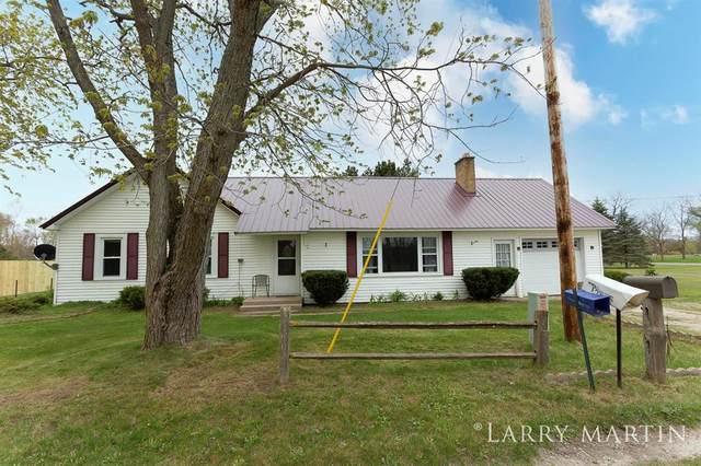 5989 Maple Hill Road, Pierson Twp, MI 49329 (#65021017073) :: GK Real Estate Team