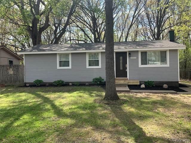 5265 Lake Grove Drive, White Lake Twp, MI 48383 (#2210035140) :: Real Estate For A CAUSE