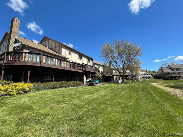 48428 Lake Valley Drive, Shelby Twp, MI 48317 (#2210035234) :: The BK Agency