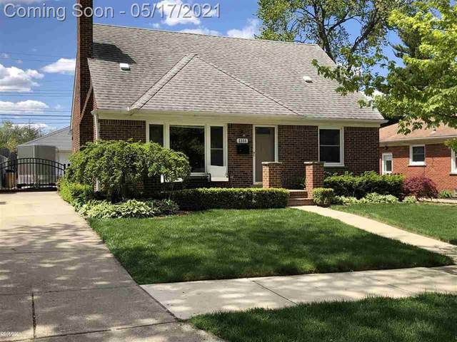 2335 Hawkins, Royal Oak, MI 48073 (#58050041724) :: Keller Williams West Bloomfield