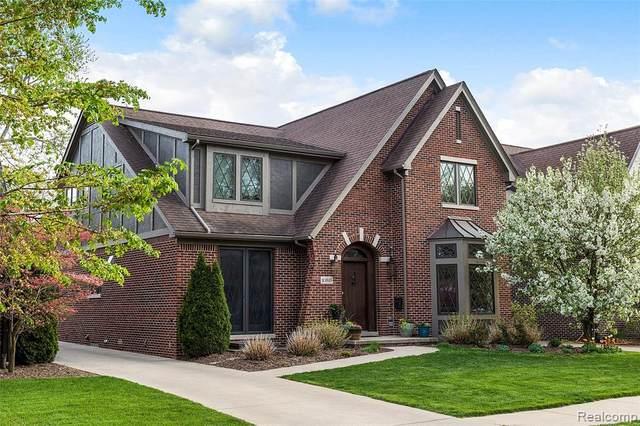 10515 Talbot Avenue, Huntington Woods, MI 48070 (#2210035333) :: Keller Williams West Bloomfield