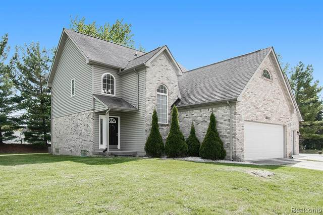 6172 Bianca Court, Sterling Heights, MI 48314 (#2210035355) :: The Mulvihill Group