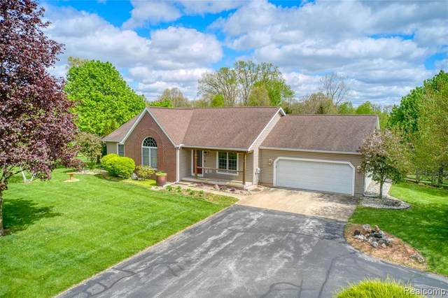 1800 Williamsburg Drive, Adrian Twp, MI 49221 (#2210035373) :: Novak & Associates