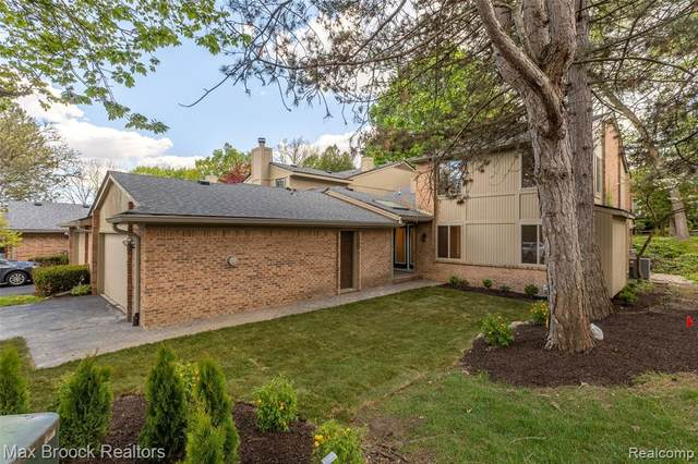 735 Arbor Court, Bloomfield Hills, MI 48304 (#2210035393) :: Keller Williams West Bloomfield