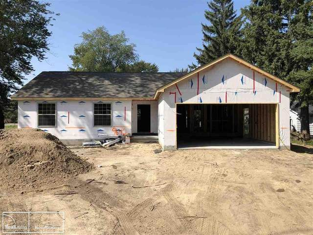 2370 Fruit St., Algonac, MI 48001 (#58050041779) :: Real Estate For A CAUSE