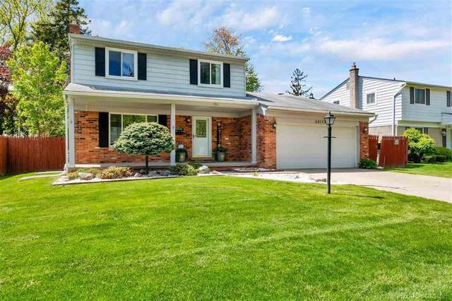 50133 Foxcrest, Chesterfield Twp, MI 48047 (#58050041846) :: Real Estate For A CAUSE