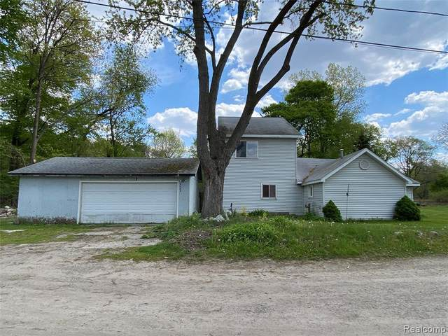 9664 Log Cabin Trail, White Lake Twp, MI 48386 (#2210035643) :: Real Estate For A CAUSE
