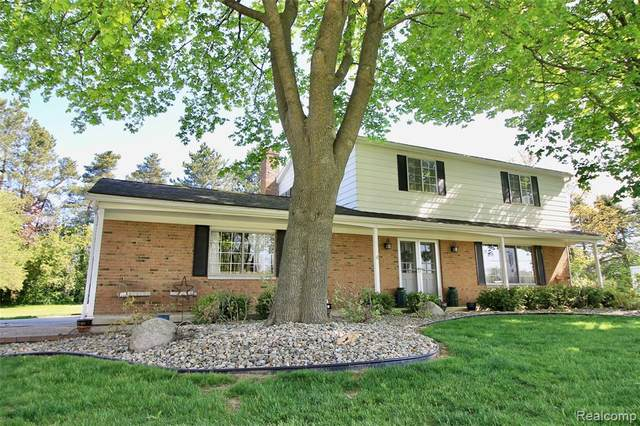 2523 Pollock Road, Grand Blanc Twp, MI 48439 (#2210035646) :: The BK Agency