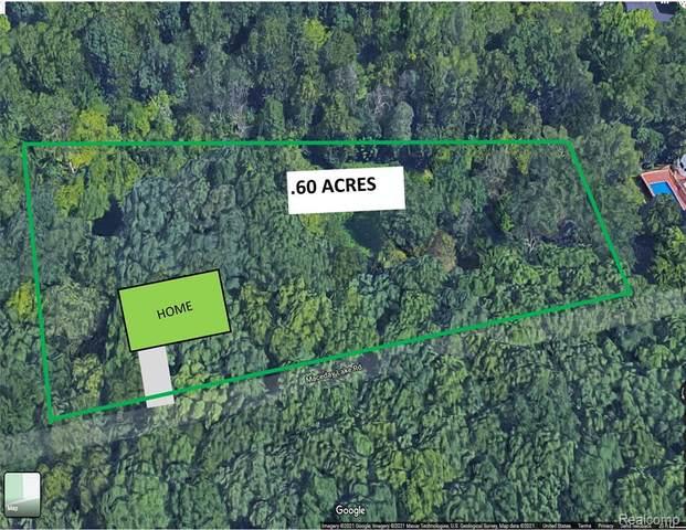 0000 Maceday Lake, Waterford Twp, MI 48329 (#2210035747) :: Alan Brown Group