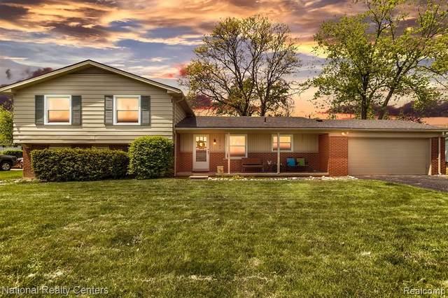 28741 Kendallwood Drive, Farmington Hills, MI 48334 (#2210035898) :: The Alex Nugent Team | Real Estate One