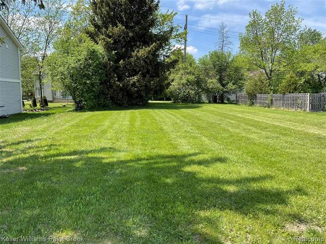 3896 Crooks Road, Rochester Hills, MI 48309 (#2210036023) :: Real Estate For A CAUSE