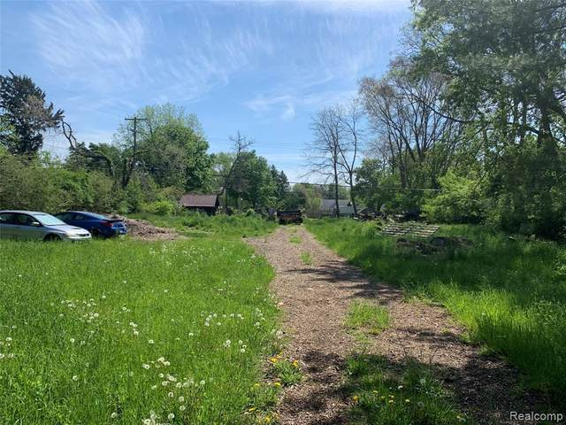 591 N Harris Road, Ypsilanti Twp, MI 48198 (#2210036151) :: Real Estate For A CAUSE