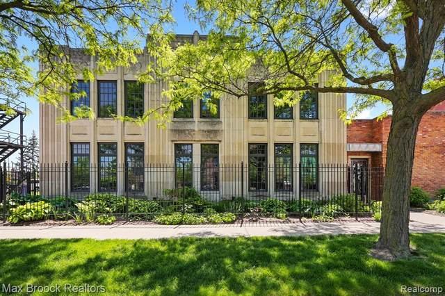 627 W Alexandrine St Unit 5, Detroit, MI 48201 (#2210036172) :: The BK Agency