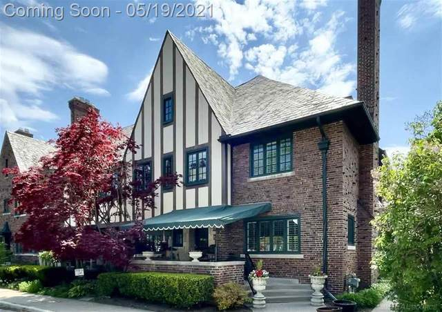 279 Roosevelt Place, Grosse Pointe, MI 48230 (#58050042014) :: Alan Brown Group
