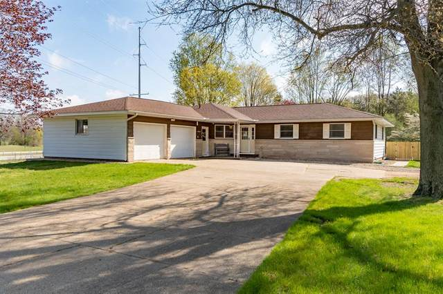 59445 S La Grave Street, Antwerp Twp, MI 49079 (#66021017636) :: Alan Brown Group