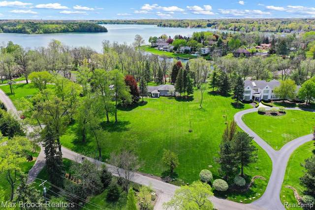 4681 Dow Ridge Road, Orchard Lake Village, MI 48324 (#2210036216) :: Alan Brown Group