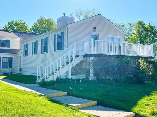 20836 E Glen Haven Circle, Novi, MI 48167 (#2210036217) :: Duneske Real Estate Advisors