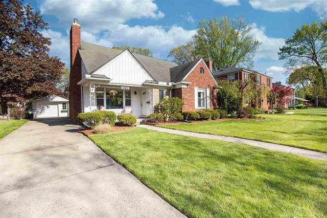 1090 Fairholme, Grosse Pointe Woods, MI 48236 (#58050042030) :: Alan Brown Group