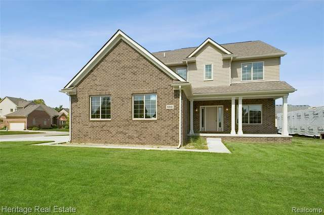 940 Woodside Drive, Oxford Twp, MI 48371 (#2210036325) :: Real Estate For A CAUSE