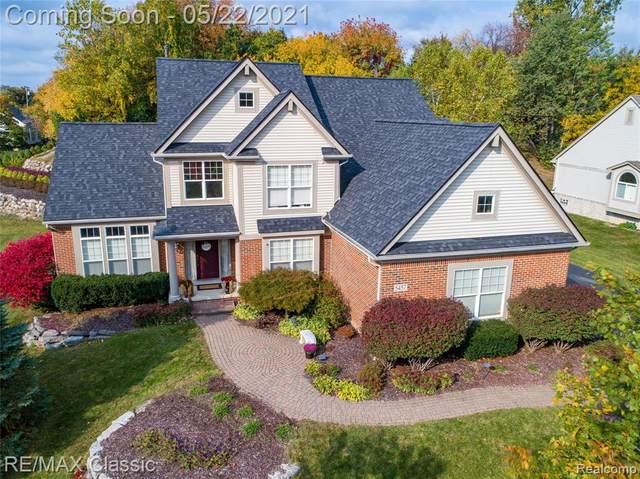 5457 Shelton Drive, Commerce Twp, MI 48382 (#2210036418) :: GK Real Estate Team