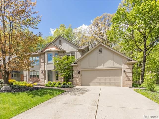 45580 White Pines Drive, Novi, MI 48374 (#2210036754) :: Duneske Real Estate Advisors