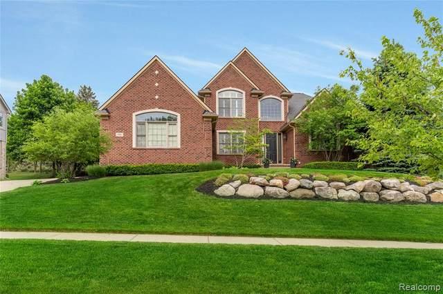 990 Mcdonald Drive, Northville, MI 48167 (#2210036987) :: Duneske Real Estate Advisors