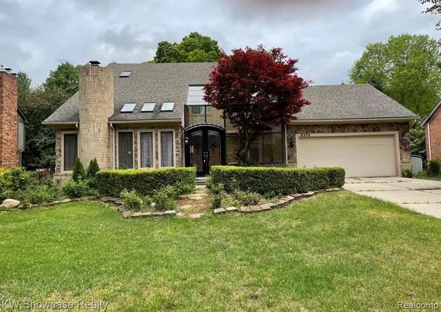 8375 Lake Pine Drive W, Commerce Twp, MI 48382 (#2210037112) :: GK Real Estate Team