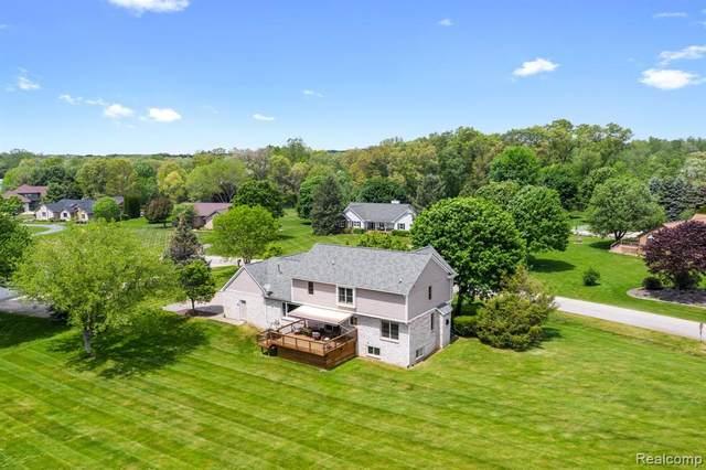7450 Cedar Creek Drive, White Lake Twp, MI 48383 (#2210037226) :: Real Estate For A CAUSE