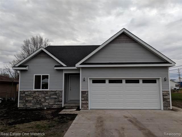 623 Columbia, Algonac, MI 48001 (#2210037748) :: Real Estate For A CAUSE