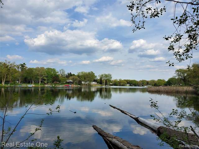 Lot B Clintonville Road, Waterford Twp, MI 48329 (#2210038018) :: Real Estate For A CAUSE