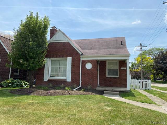 2089 Anita Avenue, Grosse Pointe Woods, MI 48236 (#2210038114) :: Real Estate For A CAUSE