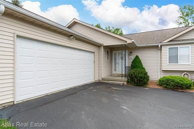 10214 Hawthorne Ridge Rd, Goodrich Vlg, MI 48438 (#2210039515) :: Real Estate For A CAUSE