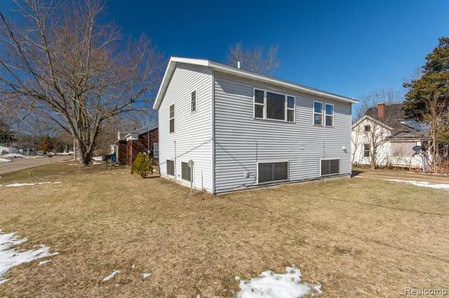 211 Lincoln Street, Allegan, MI 49010 (#2210040050) :: Real Estate For A CAUSE