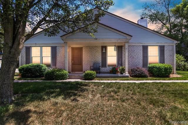 7727 Lake Ridge Drive, Waterford Twp, MI 48327 (#2210040203) :: Real Estate For A CAUSE