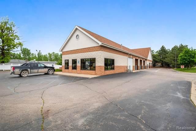 1017 E Grand Blanc Road, Grand Blanc Twp, MI 48439 (#2210040864) :: Real Estate For A CAUSE
