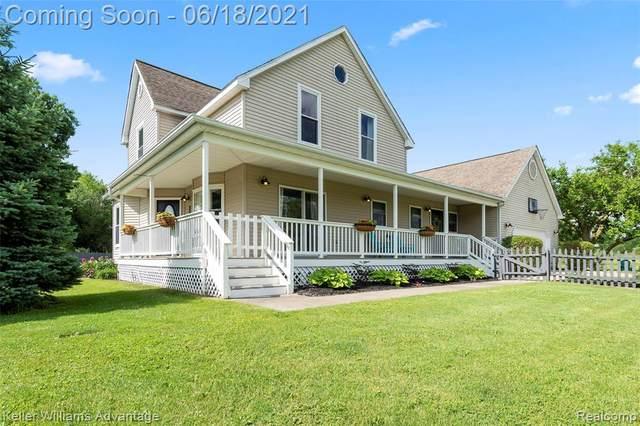 6347 Oak Grove Road, Cohoctah Twp, MI 48855 (#2210040934) :: Real Estate For A CAUSE