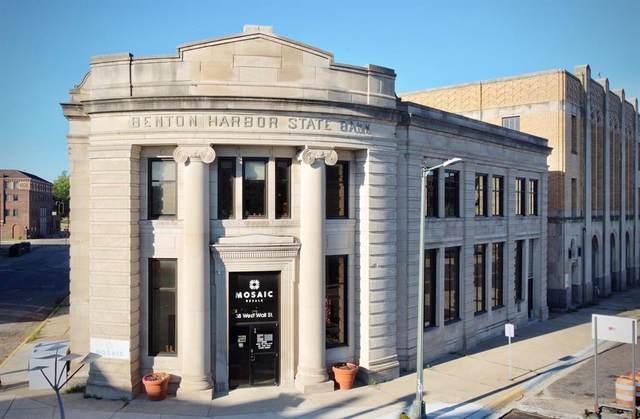 38 W Wall Street, Benton Harbor, MI 49022 (#69021020095) :: Alan Brown Group